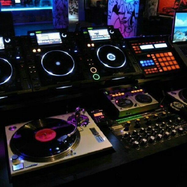 Club Setup with Turntable