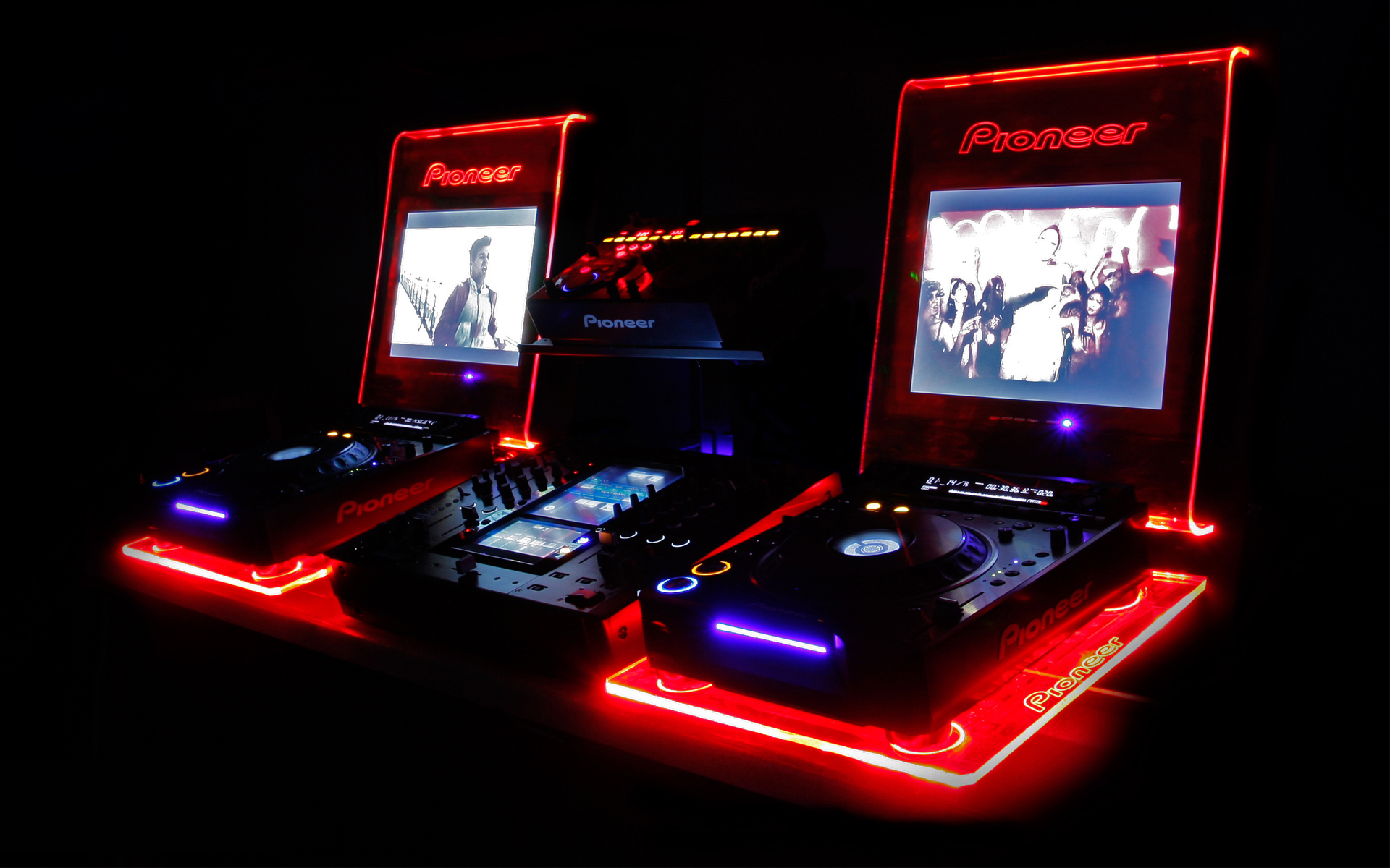 setup with led lights - dj setup at fundjstuff