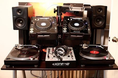 Technics And Xone 42 Dj Setup At Fundjstuff Com