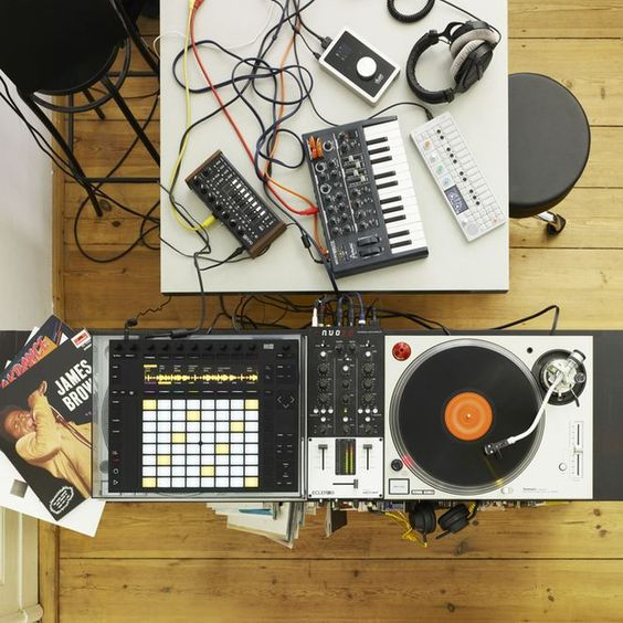 Turntable and MIDI Pad