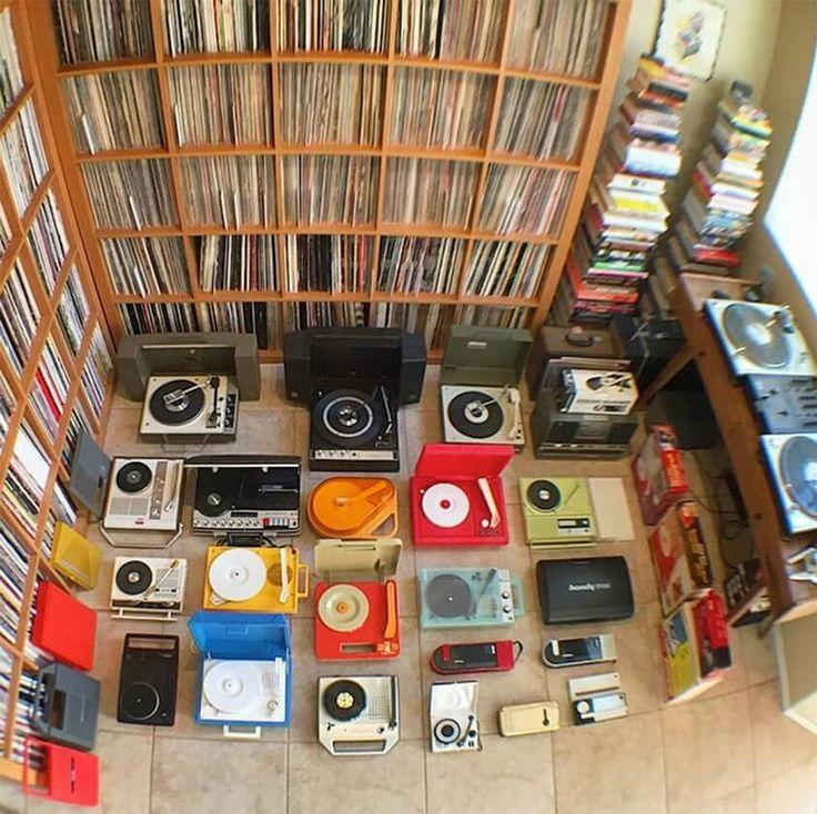 turntables and vinyls collection dj setup at. Black Bedroom Furniture Sets. Home Design Ideas
