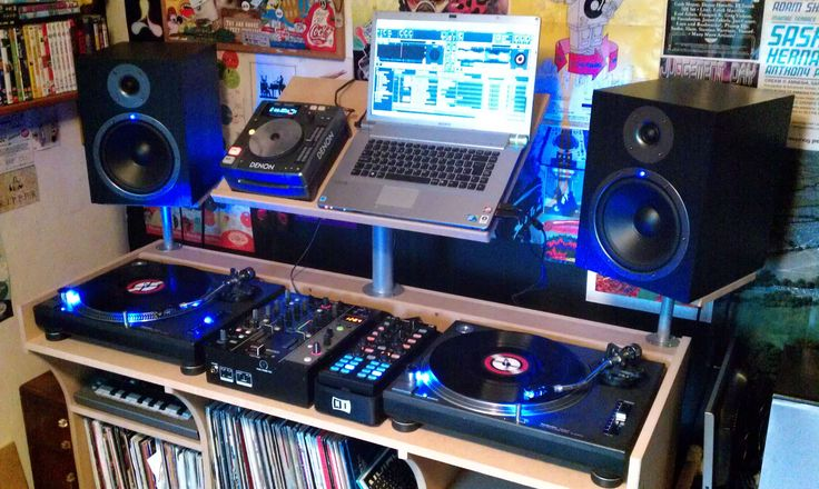 Typical Bedroom DJ Setup. Typical Bedroom DJ Setup   DJ Setup at FunDJStuff com