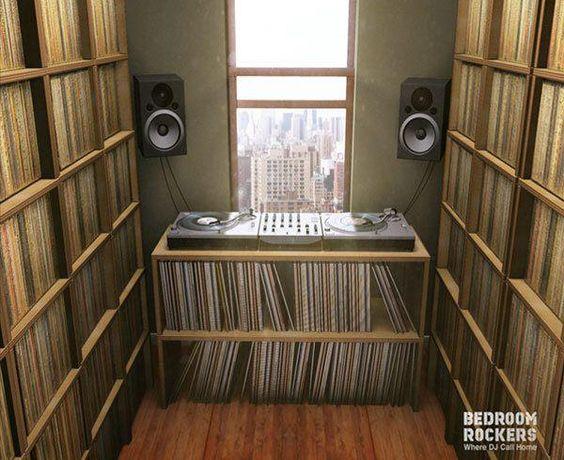 vinyl records galore dj setup at. Black Bedroom Furniture Sets. Home Design Ideas
