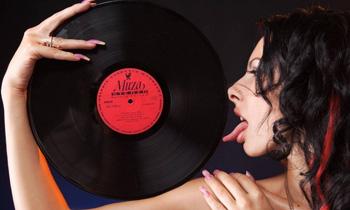 Vinyl Babe