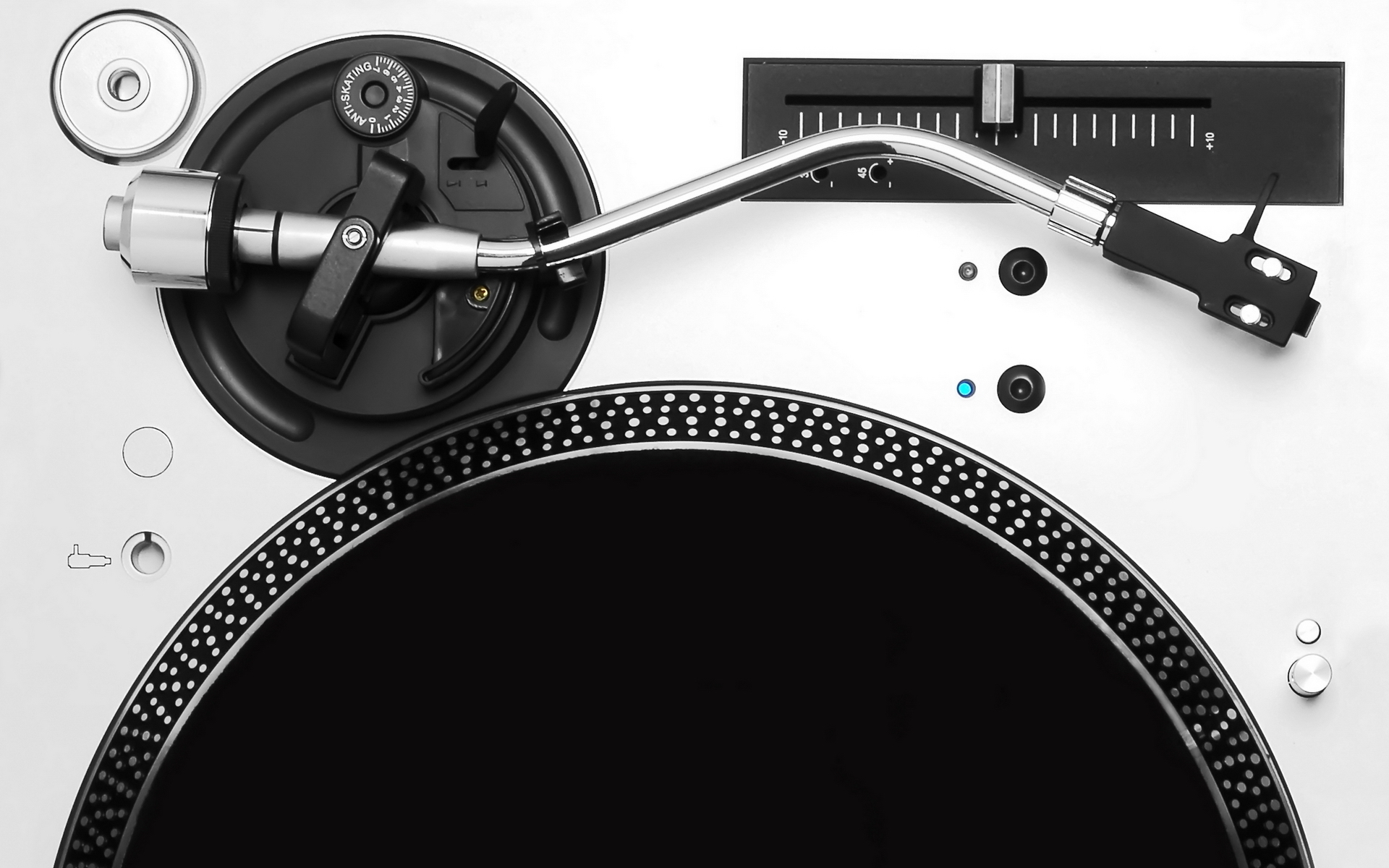 Classic Turntable Wallpaper