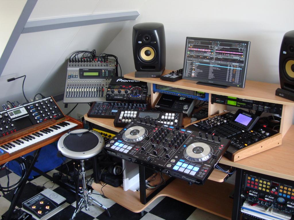 Back To Dj Setup Full Out Studio