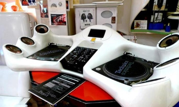 Unique Table with Technics Turntable